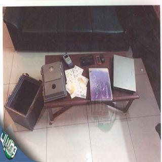 تحريات #الرياض توقع بثلاث تشكيلات أجرامية امتهنوا الإعتداء والسرقة