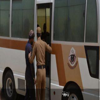 في حملة تتبع مخالفي انظمة الأقامة والعمل شرطة #جدة تضبط(388)مخالفاً