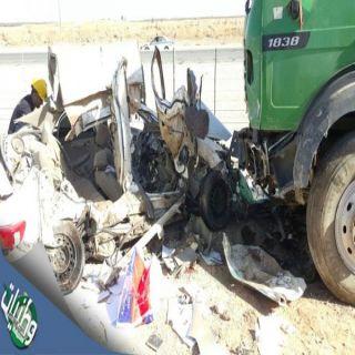 بالصور- حادث مروع ينتهي بوفاة معلمة وسائقها وزوجته بطريق حائل #القصيم