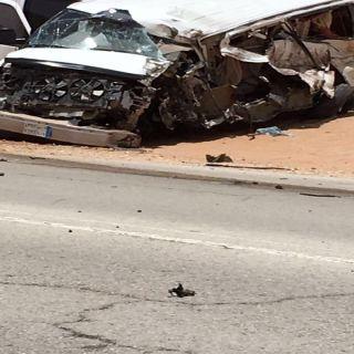 """حادث بطريق #عنيزة الخرمة الشمالية يقضي على """"4""""مُعلمات وسائقهن"""