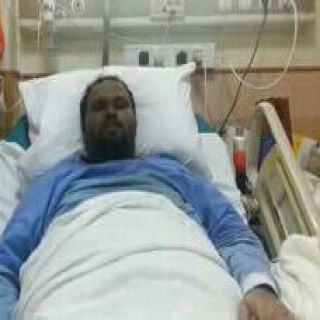"""مواطنة سعودية تُناشد نقل إبنها """"المشلول"""" إلى أحدى المستشفيات المتخصصة في جدة"""