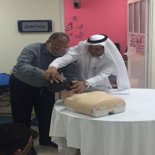 """القطاع الصحي  بمحايل والتدريب بصحة عسير ينظمان دورة """"الإنعاش القلبي الرئوي الاساسي"""""""