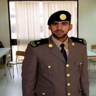 مُؤيدالشهراني  برتبة ملازم من كلية الملك فهد الأمنية ووالده يحتفي به في #جدة