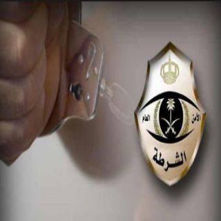 شرطة #جدة توقع بثلاثة من الجنسية الإفريقية قاموا بسرقة مركبة وخطف حدث