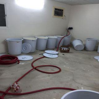 في الطائف :دهم استراحة عُثر بها على وافدة افريقية تُدير مصنعاً للعرق المُسكر