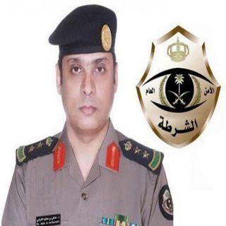 تحريات شرطة #جدة تُقع بثلاثة آسيويين مُتهمين بسرقة مُتعلقات شخصية من داخل المركبات
