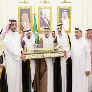 أمير #القصيم يُكرم الداعمين والرعاة لميدان الملك سعود للفروسية بالمنطقة