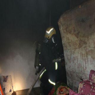 """مدني #المندق يُسيطر على حريق غرفة في بناية بالدور الثالث بقرية""""مسيرة"""""""