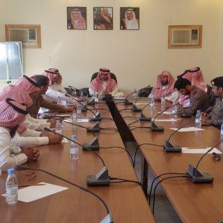 مُحافظ تثلث يلتقي مُدراء الإدارات الحكومية بالمُحافظة