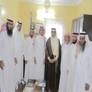 "محافظ #بارق يزور جمعية ""البر"" ويُدشن مشروع تمكين"