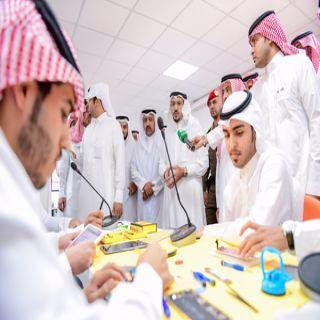 أمير #القصيم توطين الاتصالات يفتح مجالاً واسعاً للعمل أمام الشباب