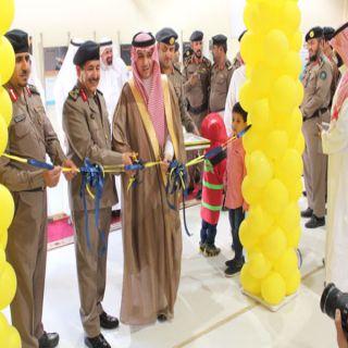 مُدير مدني #القصيم وبحضور مُحافظ #عنيزة يفتح مركز الاسناد وجناح المهارات بالمُحافظة