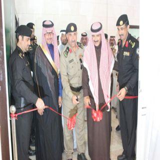 مُدير شرطة #عسير يُدشن معرض مكافحة المخدرات بدوريات أمن عسير