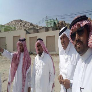 رئيس بلدية #بارق ورئيس مركز ثلوث المنظر يقفان على سوق المركز