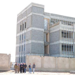 بالصور - مدير #تعليم_البكيرية يتفقد مشروع مبنى الادارة