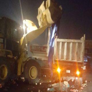 أمانة #جدة تحبط بيع 59 طن من المواد الغذائية فاسدة بحراج الصواريخ