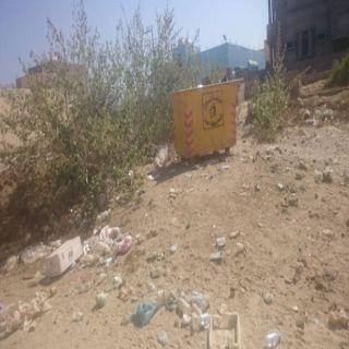 بالصور – تراكم النفايات بقرى ثلوث المنظر يُزعج الأهالي