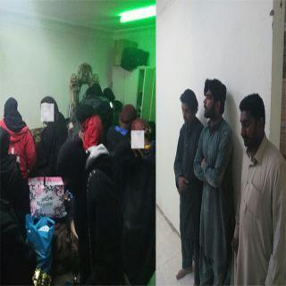 في #الرياض ضبط ثلاثة وافدين و29 إمرأة كينية يديرون مصنع مُسكر ووكر للدعارة
