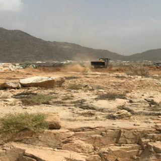 بالصور -بلدية #بارق تستعيد أكثر من 11 ألف متر مربع في مخطط السحر بثلوث المنظر