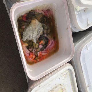 """#أمانة_القصم تضبط 350 جالون من """"المواد الغذائية """" مجهولة المصدر"""