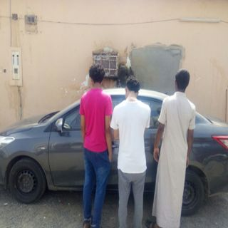 شرطة #جازان توقع بـ 3 وافدين انتحلوا صفة رجال الأمن واستيقاف وافد وسلبه