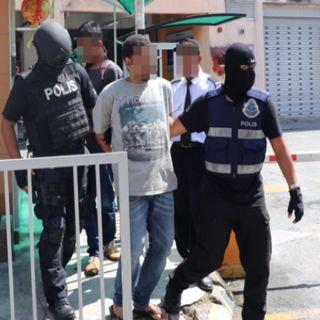 تزامناً مع زيارة خادم الحرمين شرطة ماليزيا تعتقل 7 خططوا للقيام بإعمال إرهابية