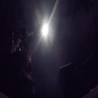 """شاهد بالفيديو امريكا تُطلق صواريخ """"توماهوك"""" على قاعدة عسكرية في سوريا"""