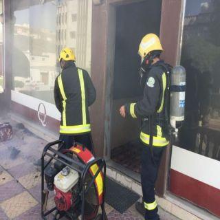 مدني #الباحة يُخد حريق محدود في أحدى المقاهي