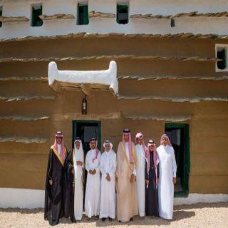 سلطان بن سلمان يدشن أشهر القصور التراثية على ضفاف وادي أبها