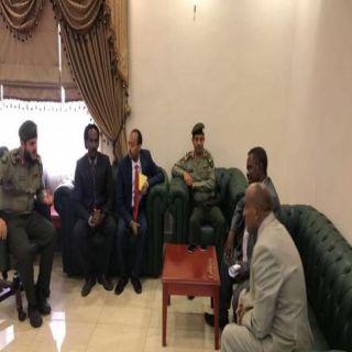 مدير جوازات #عسير يبحث مع القنصل الإثيوبي آليات إنهاء أوضاع المخالفين