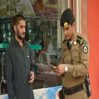 شرطة #القصيم تضبط ٢٤٦٦ مخالفاً للإقامة والعمل خلال شهر رجب