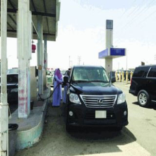 #إمارة_مكة توضح حقيقة صورة الأمير خالد الفيصل أثناء تزويد سيارته بالوقود