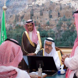 أمير الباحة في أول يوم عمل لهُ يُحث موظفي الإمارة على إنهاء مُعاملات المواطنين