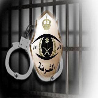 شرطة #الرياض توقع بـ 3 سودانيين سرقوا (135312)ريالاً من سيارة مواطن