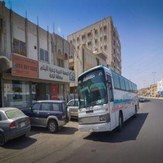 """جمعية رعاية الأيتام """"أكناف"""" الباحة تنظم رحلة عمرة لـ 140 يتيماً وامهاتهم"""