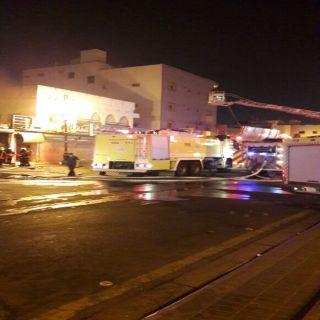 مدني #تبوك يخمد حريق 4 محال لزينة السيارات