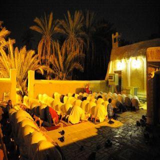 المساجد الطينية بالقصيم تجذب المصلين في رمضان