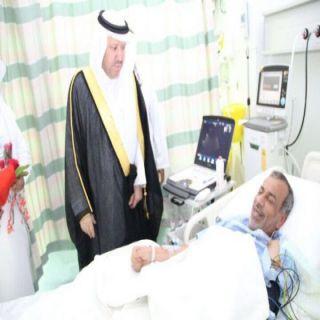 مُحافظ #بلجرشي يُعايد المرضى ونزلاء وحدة سجن المُحافظة