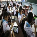"""جهاز لوحي لكل طالب في """"تايلند"""""""