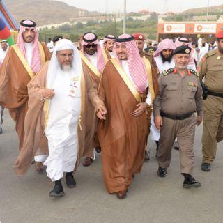 نائب أمير #عسير الأمير منصور بن مقرن يتفقد خيمة #ابها الدعوية