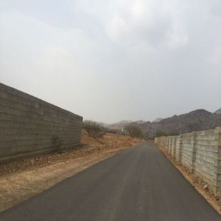 بلدية #بارق تربط قرية العلكة شمال المحافظة بشبكة طريق جديدة