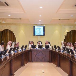 أمين القصيم يناقش مشروع مركز الملك عبدالله الحضاري مع لجنة تنمية الاستثمارات
