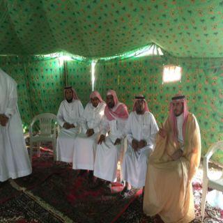 مُحافظ #بارق يُقدم واجب العزاء لرئيس بلدية المُحافظة ومُديرشعبة المرور