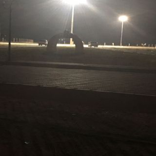 ماذا قال أهالي ثلوث المنظر بعد ان تكرر مشهد مركبات متوقفة داخل الحديقة