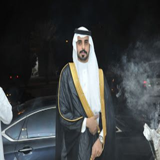 عبد العزيز الشهري يودع العزوبية وقاعة حكايتي في الرياض تشهد زواجه
