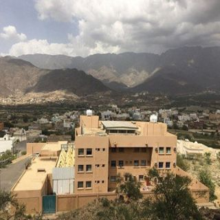 في #بارق وسائل نقل طالبات مجمع بنات وادي بقرة غير مُهيئة للنقل