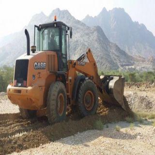 بلدية بارق تستعيد خمسة عشرألف مترمُربع تعديات بالمُخطط الصناعي في #جبال