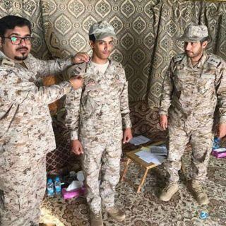 """تعرف على """"فايزالشهري"""" اصغر رئيس رقباء في القوات المسلحة السعودية"""