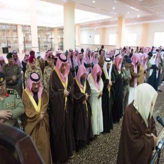 أمير الباحة يؤدي صلاة الإستسقاء بجامع الملك فهد