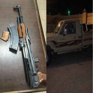 دوريات محافظة عفيف تضبط (٣) مواطنين أطلقوا النار بإحدى المُناسبات